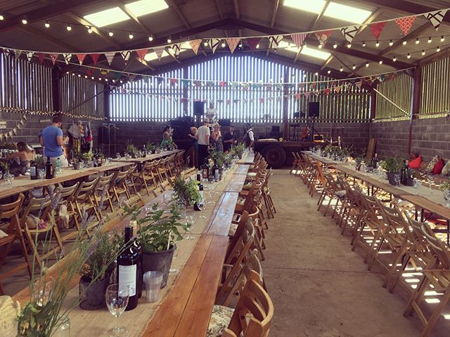 First time playing on a trailer in a Barn last weekend outside Bristol. Definitely one of the best weddings we've ever played at. Congratulations Millena and Tom . . #ceilidh #ceilidhband #tribeoftinkers #folk #music #folkmusic #barn #barndance #trailer #cajon #percussion #drums #fiddle #cello #guitar #flute #saxophone #groove #wedding #weddingband #london #bristol #londonwedding