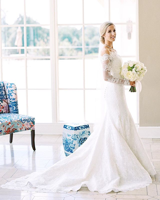 Our wedding is featured on the @washbridegroom blog today! They did such a great job capturing our story and big day. Link to the article in my bio 💙  . . . @bonniesenphotography @carolineduttonevents @edgefloraleventdesigners @victoria_daily