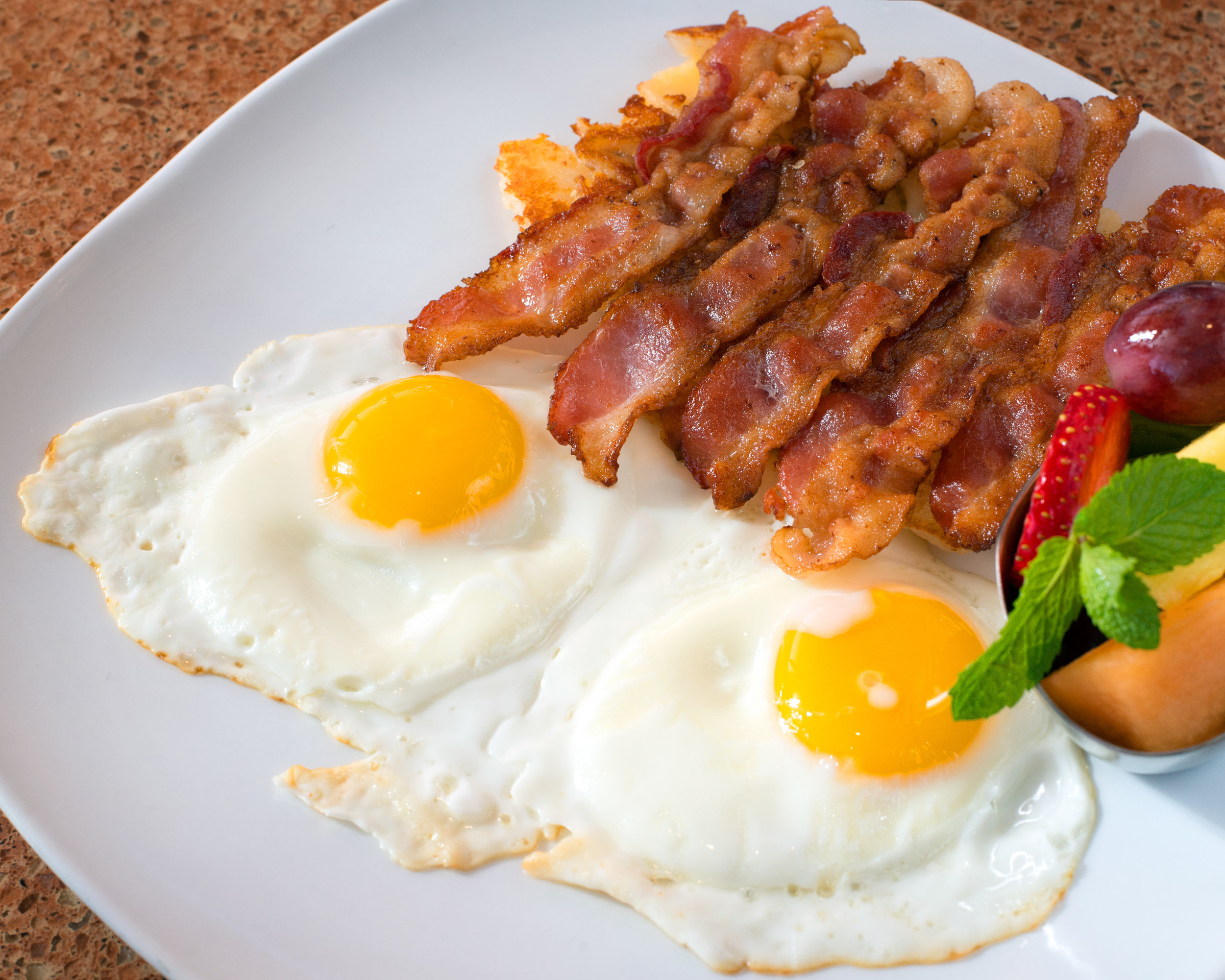 ImperialDiner_TwoEggsWithBacon_2880x2304.jpg