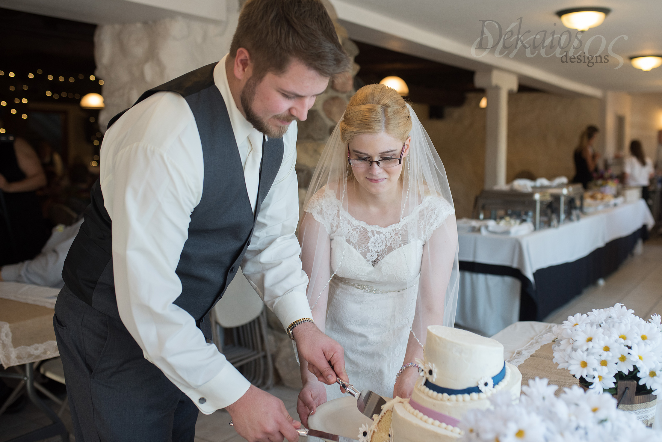 After dinner was the cake cutting. It was a beautiful cake.