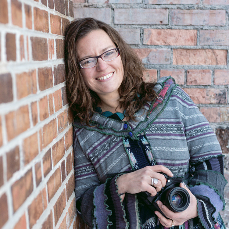 This is me, Rosalind, owner and main photographer for Dekaios Designs. I look forward to meeting you!