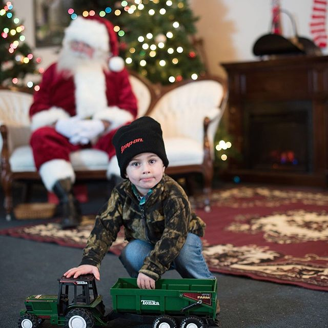 Dec 7 from 9am-2pm we are offering Santa experience photo sessions. Each session includes 15-20 mins with Santa and candid photos. Our morning sessions are filling up. Contact us to schedule today!