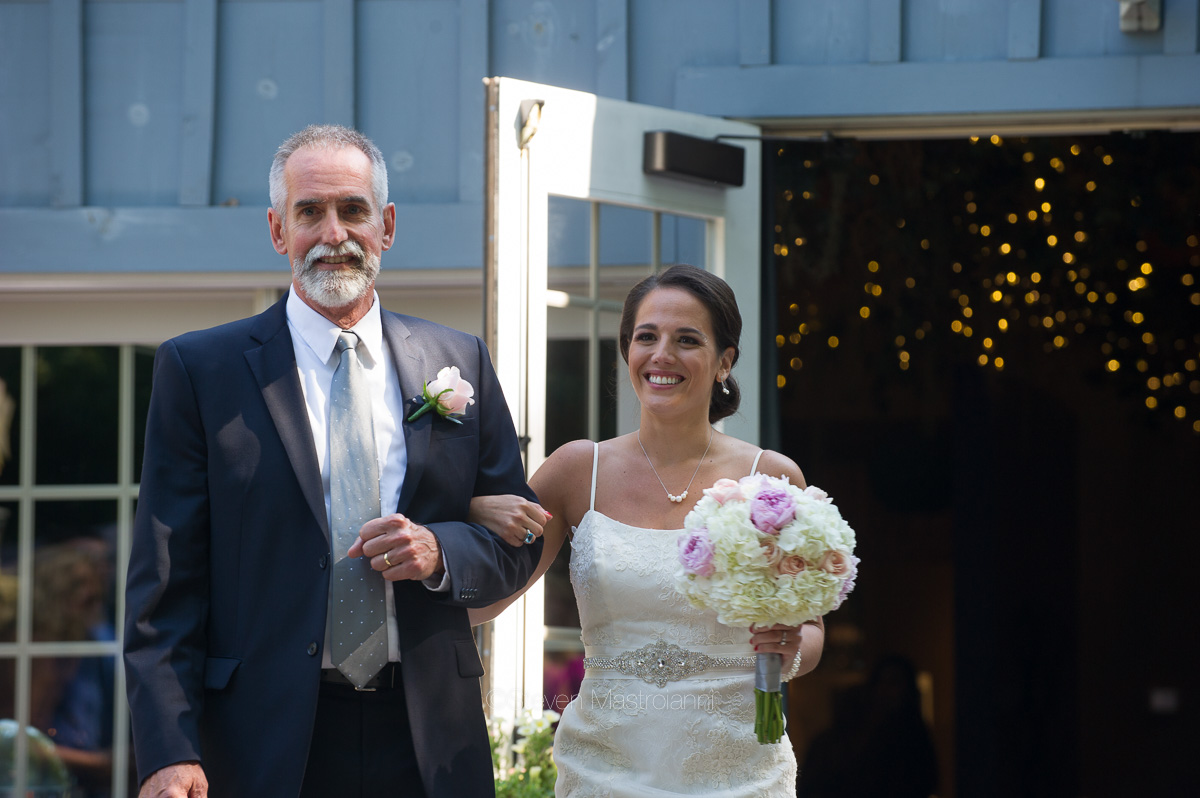 clifton barn wedding photos mastroianni (24)