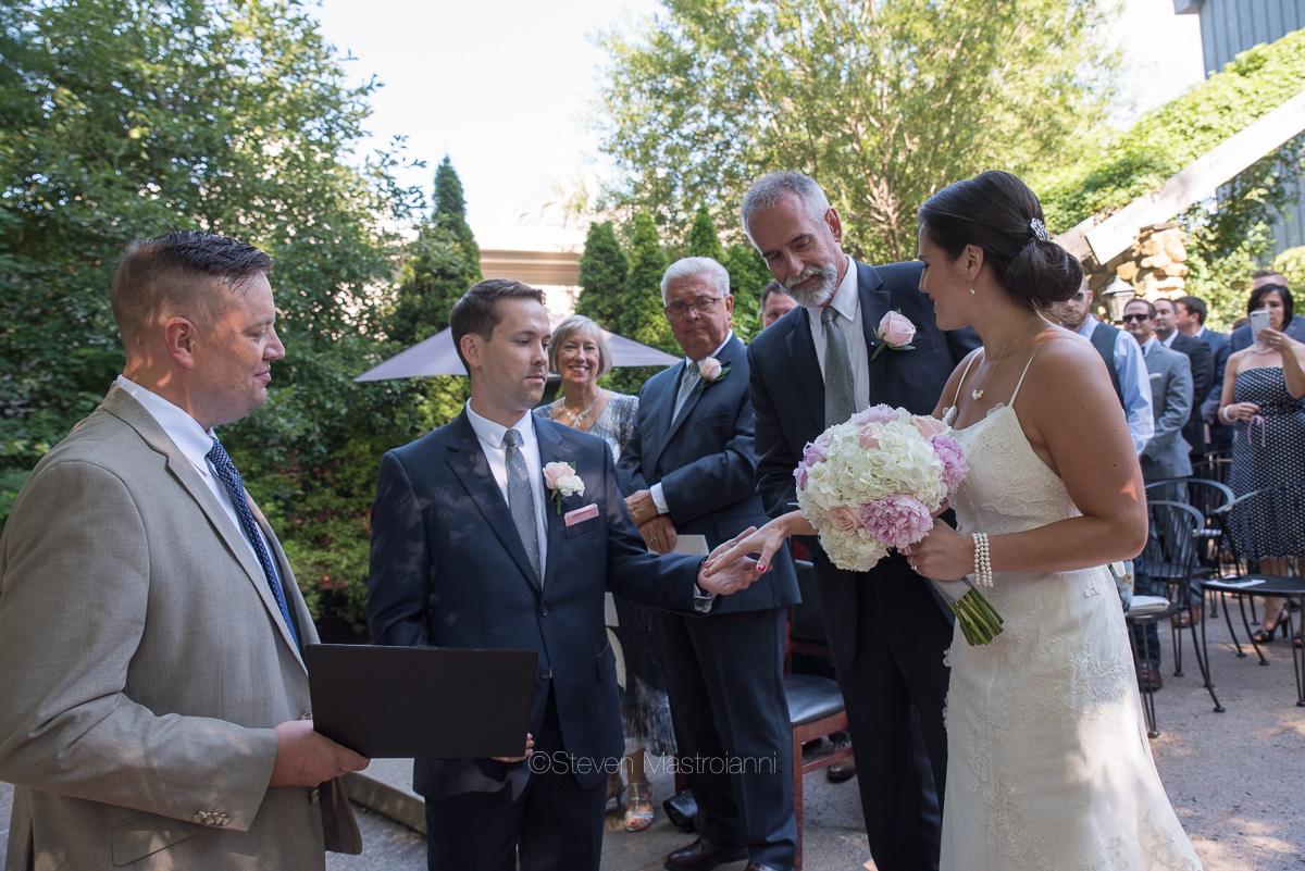 clifton barn wedding photos mastroianni (23)
