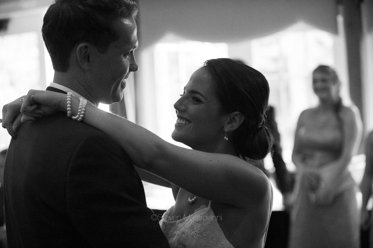 clifton barn wedding photos mastroianni (12)