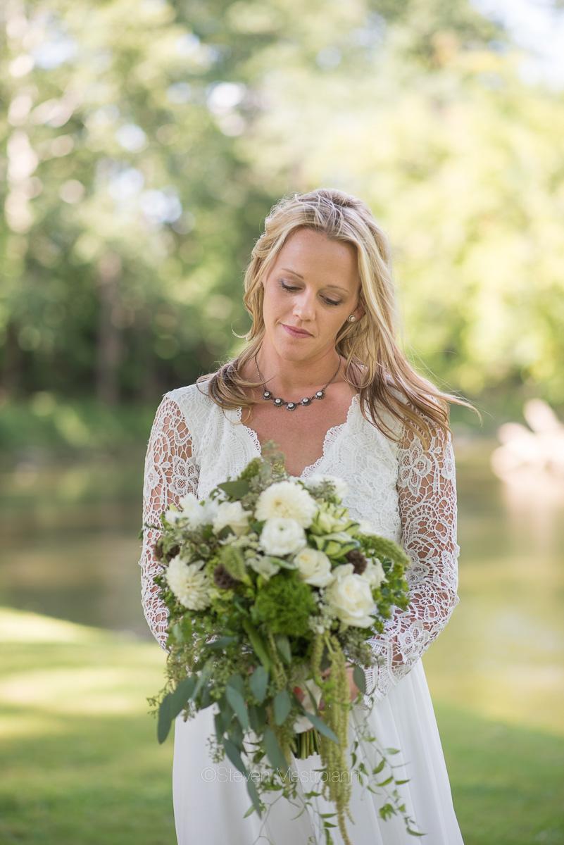 backyard-wedding-photos-cleveland-akron (24)
