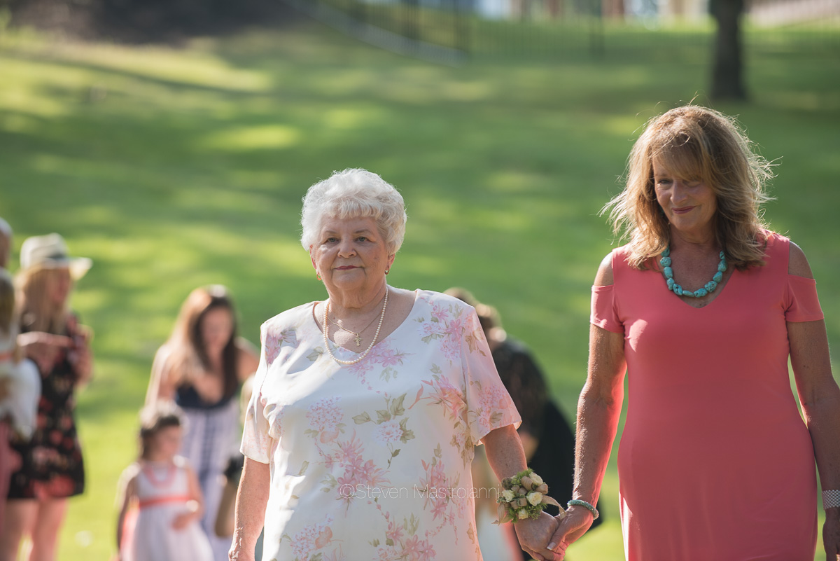 backyard-wedding-photos-cleveland-akron (17)