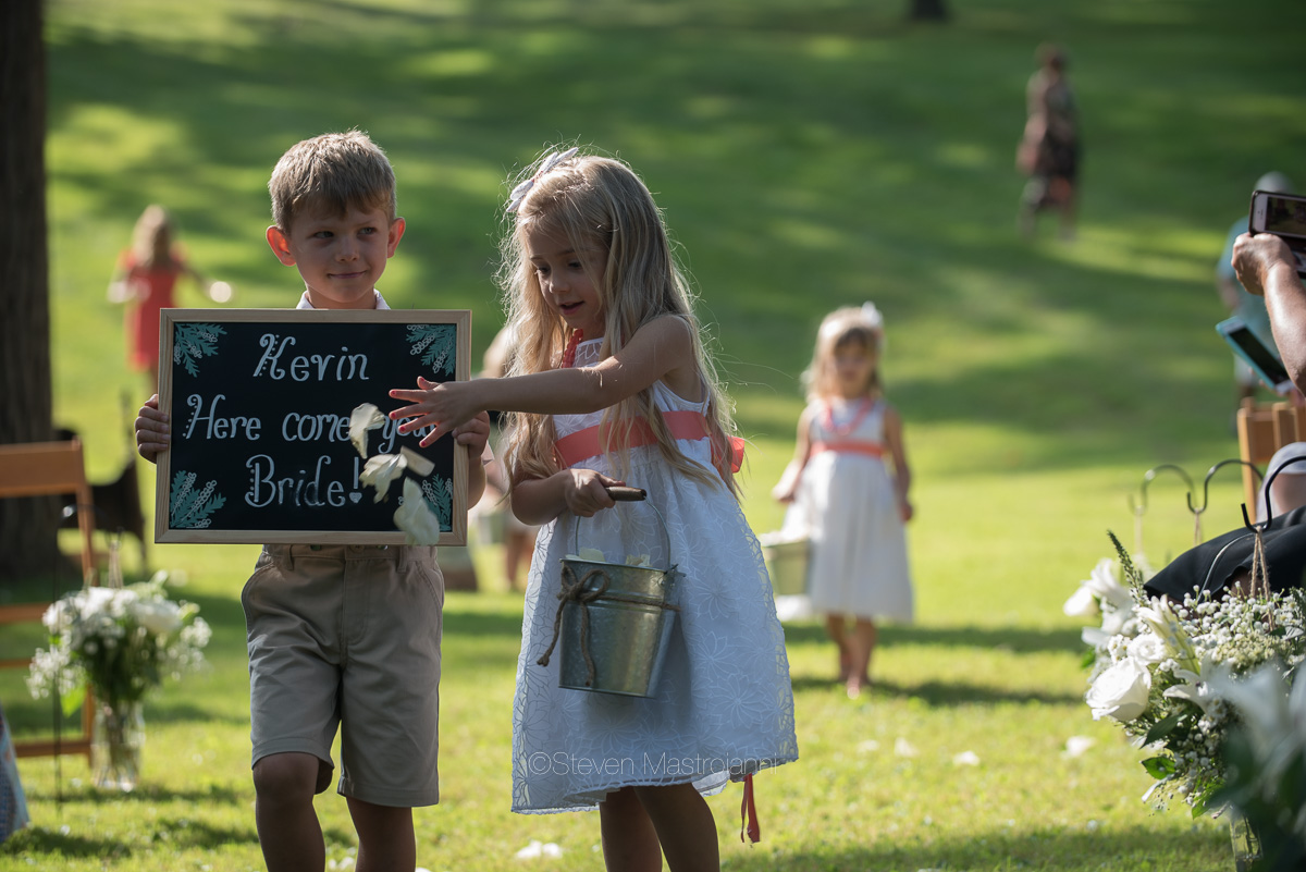 backyard-wedding-photos-cleveland-akron (16)