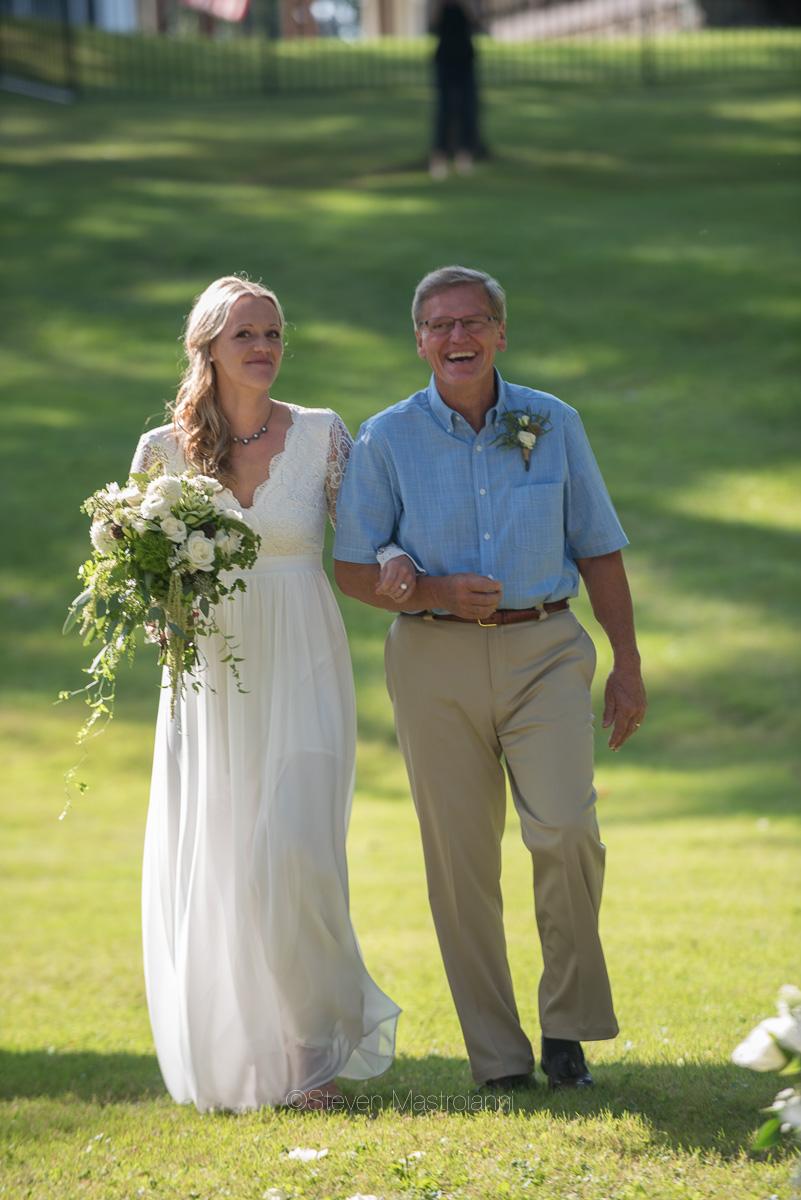 backyard-wedding-photos-cleveland-akron (13)