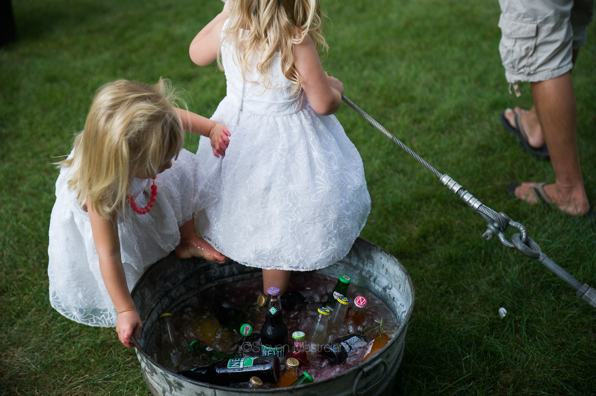 backyard-wedding-photos-cleveland-akron (4)
