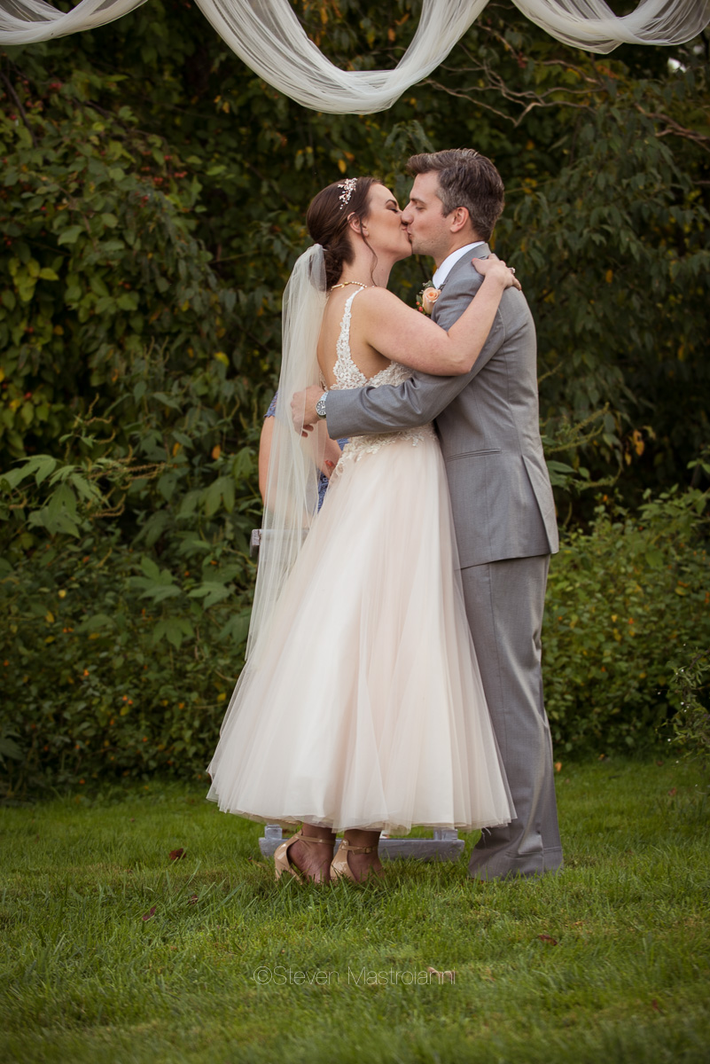 farm-wedding-photos-cleveland-photographer-mastroianni (23)