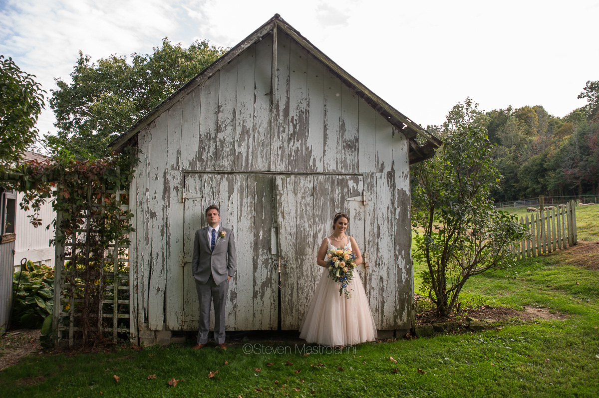 farm-wedding-photos-cleveland-photographer-mastroianni (15)