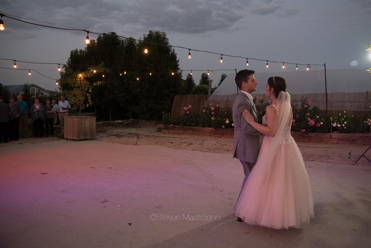 farm-wedding-photos-cleveland-photographer-mastroianni (6)