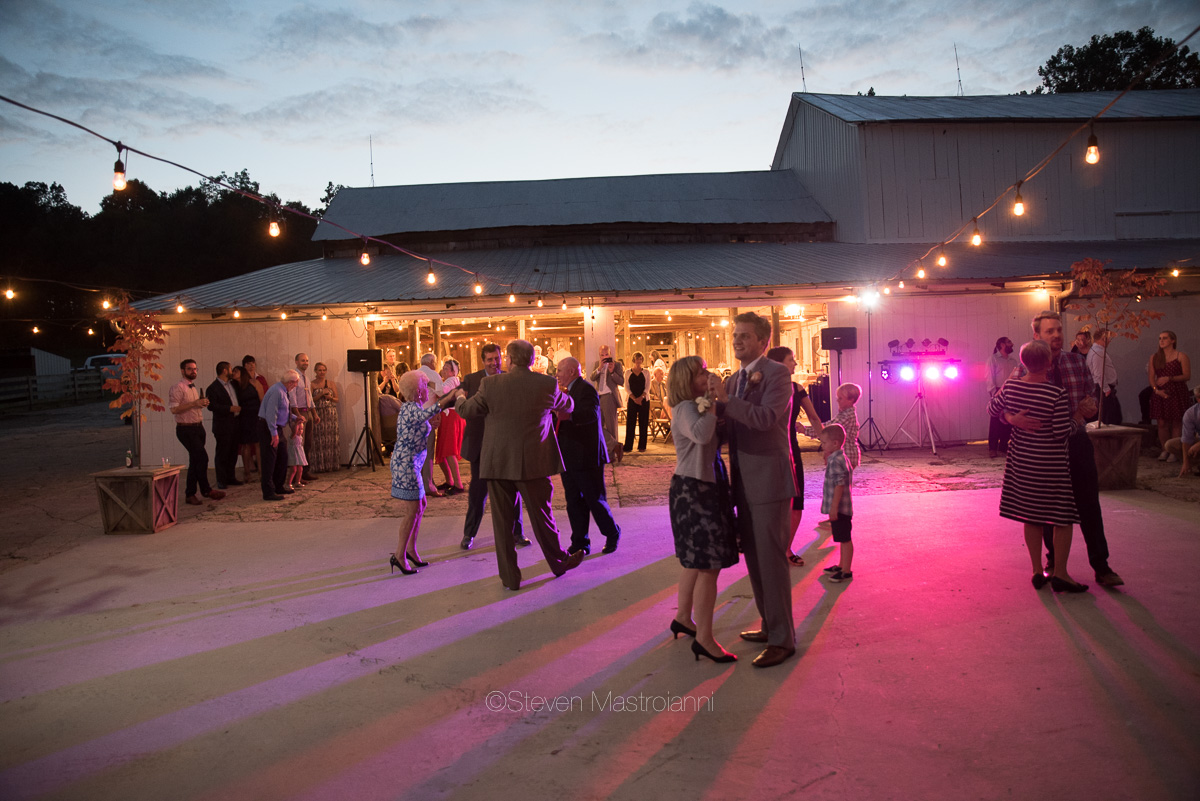 farm-wedding-photos-cleveland-photographer-mastroianni (3)