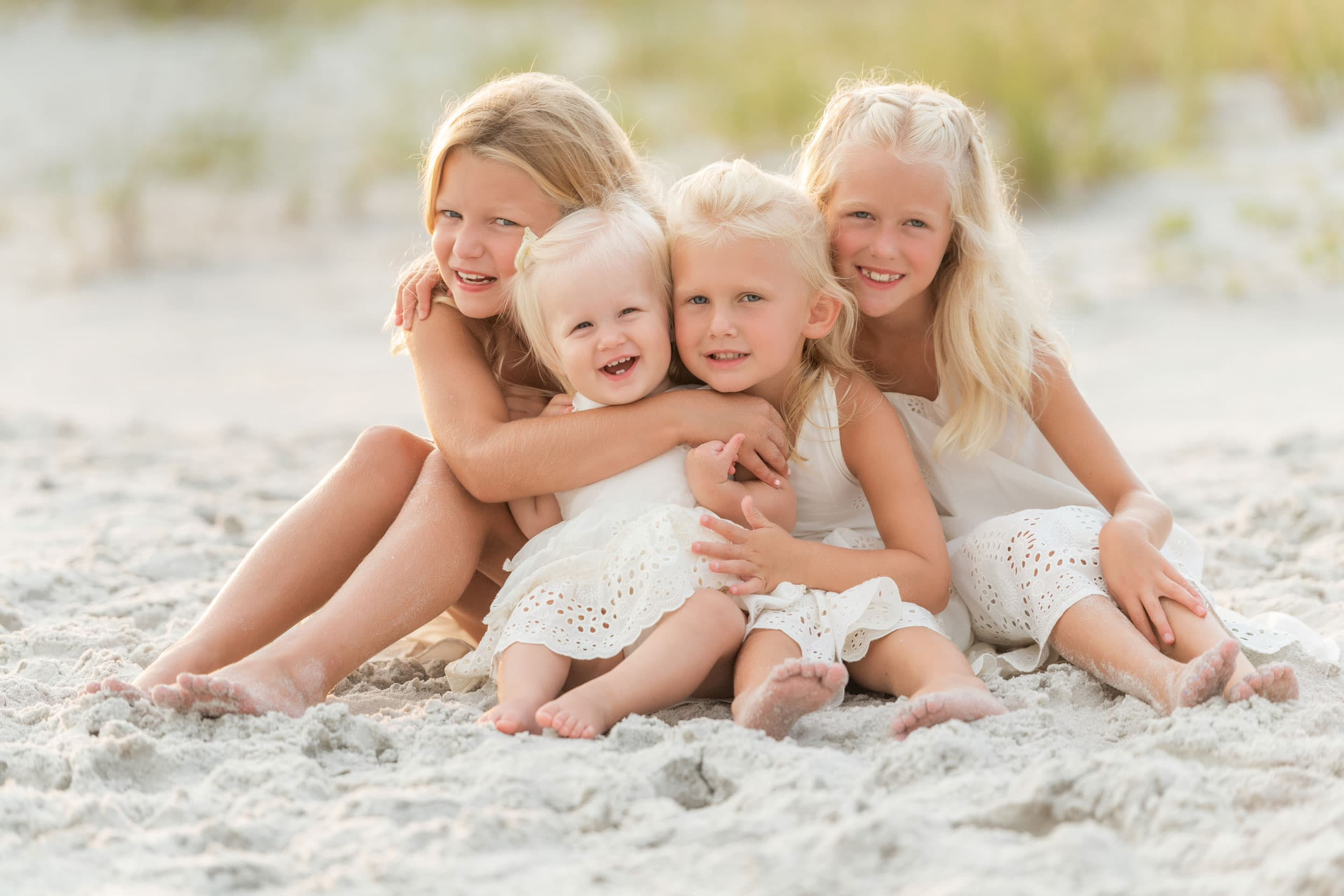 30 beach photographer captures family portrait of kids