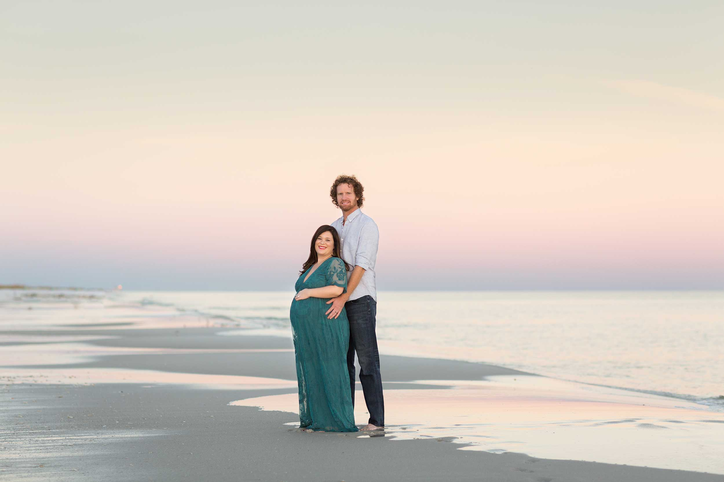 pensacola beach photographer captures image of pregnancy