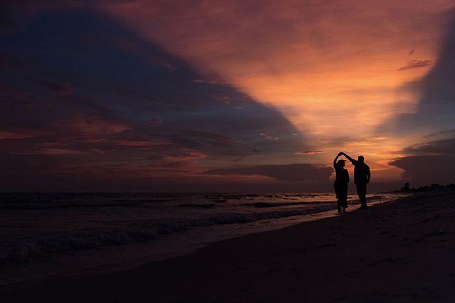 Dancing in the sunset💛 . . . . . #sunset #beachphotography #wavephotobyaislinnkate #professionalphotography #magic