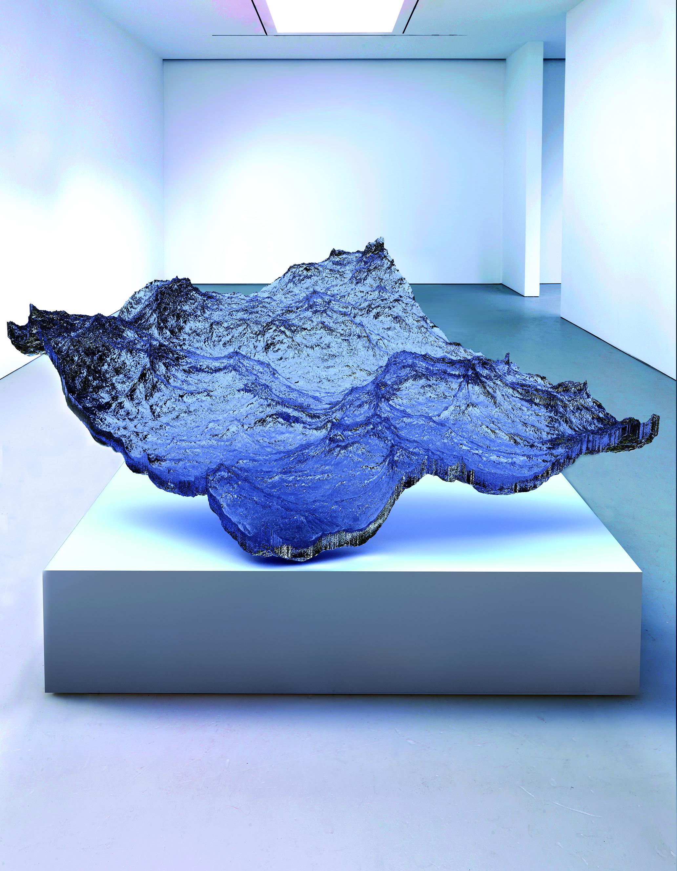 CAW Eyal Gever_Piece of Ocean transperent in Gallery - use.jpg