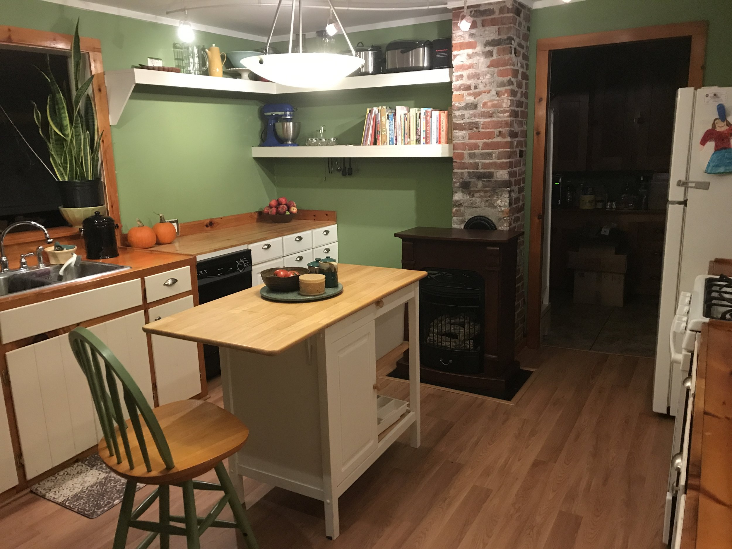 Kitchen organized after a move.
