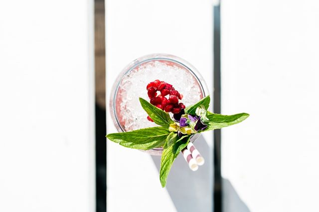 Fresh pomegrante mojito, yes please! ⁠ #theboathousegroup #theboathousehotelpatonga #cocktails #hotel #lunch