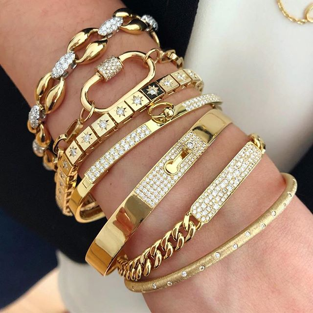 💫🤤🤤🤩#golden #armparty #repost @petitegjewelers Doesn't get much better than this stack featuring @soferjewelry, @katherineandjosephine, @marlaaaron & @normancovan! ・・・ . . . . #normancovan#love#diamond#bangle#bracelet#details#18k#gold#yellowgold#beautiful#diamonds#gorgeous#chic#sparkle#bling#bridal#bride#engaged#handmade#jewelry#losangeles#jeweler#everyday#luxury#luxurylife#finejewelry#madeinla