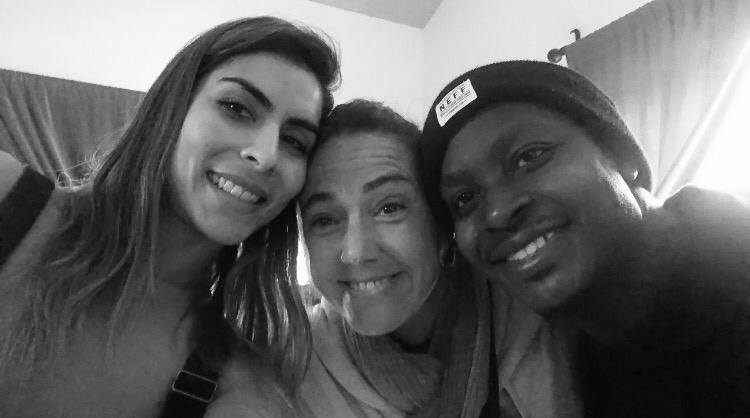 Maria Leon, Claudia Brant y Neff-u. Estudio en Woodland Hills