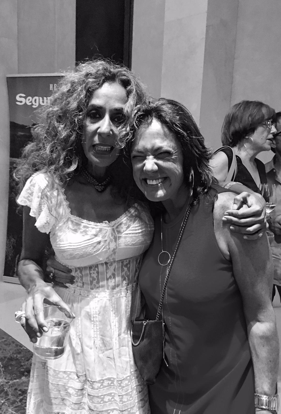 Rosarlio Flores y Claudia Brant