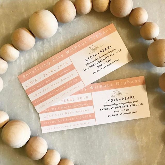 GIVEAWAY ✨ @lydiaandpearl is SATURDAY and we can't wait to see you there!! We are giving away 2 tickets to some LOCAL friends who want to join us at the market!  TO ENTER: 1. Like this photo 2. Follow @againstthegraindesign 💕 3. Tag AT LEAST 3 friends below TWO winners will receive 1 ticket to the market AND a FREE custom ornament 🥰 So get TAGGING and the giveaway closes at MIDNIGHT tonight ✨