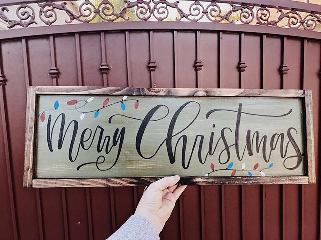 • Christmas 🎄 • In honor of finally decorating our tree today 😍  We're OBSESSING over how this olive green framed sign came out! We will now be offering a framing option on all purchases!  Let's create something special together✨ DM us to order 🤗