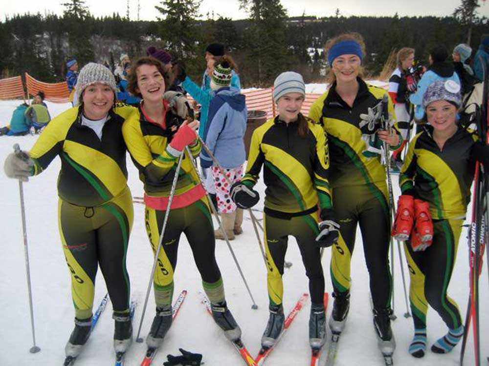 High-School-Ski-Team.jpg