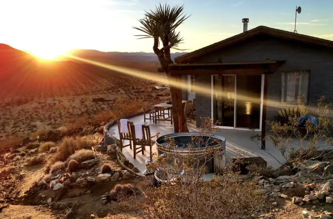 Starfire: A life altering experience - - Secluded mountaintop views- Jacuzzi- No neighbors = No light pollution