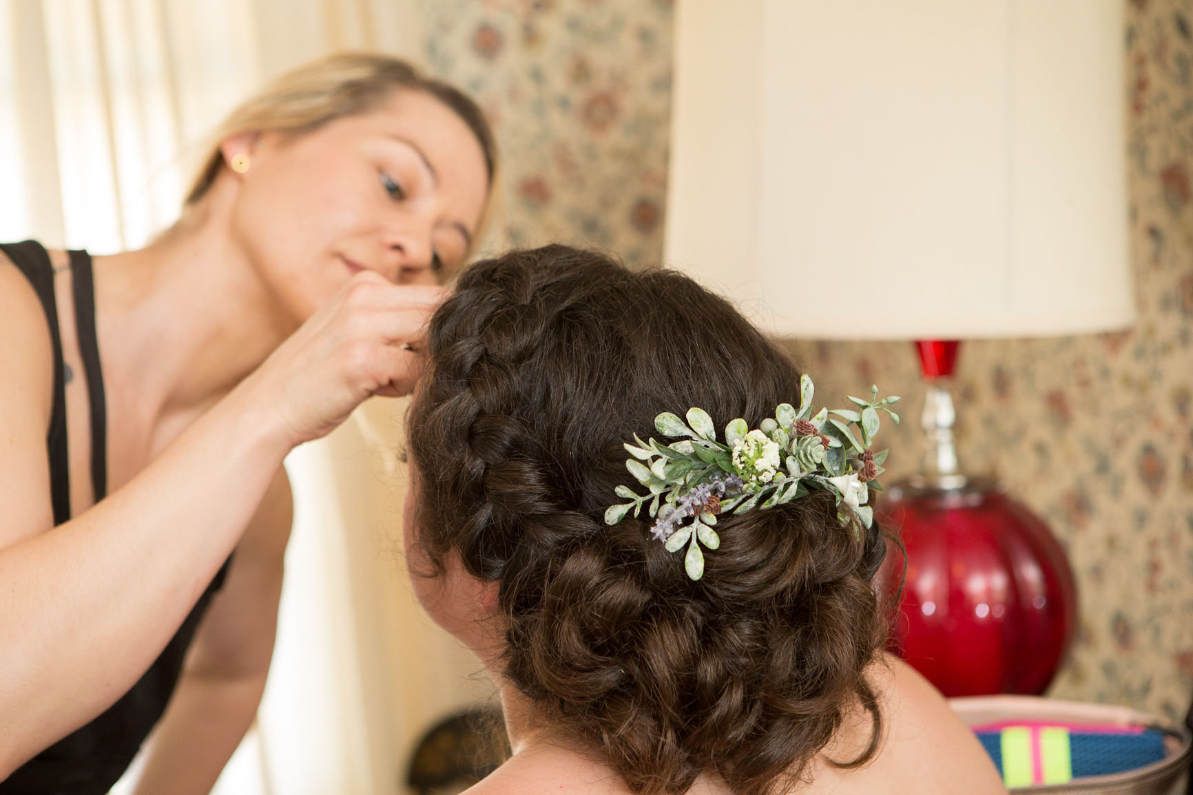 101 studio llc -Bride getting ready picture 19.jpg