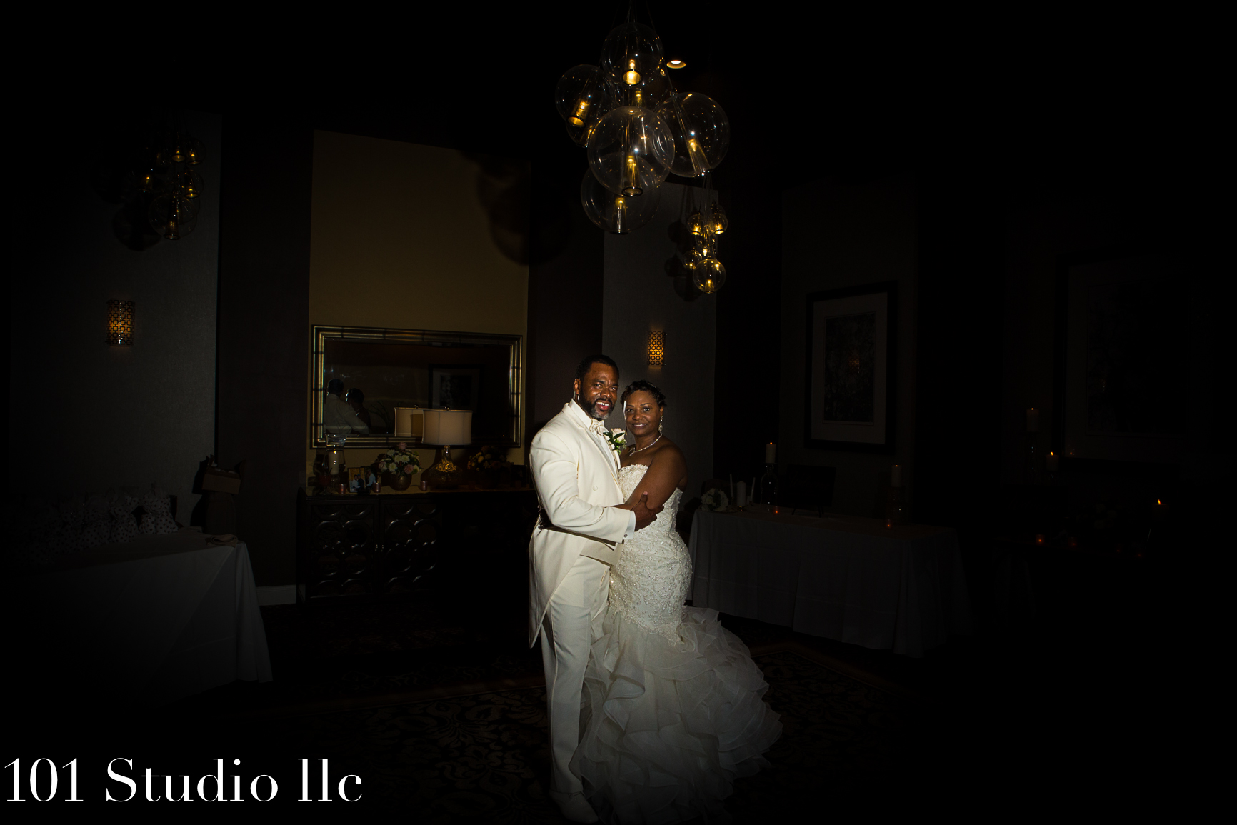 101 studio llc -Double tree by Hilton Raleigh wedding 27.jpg