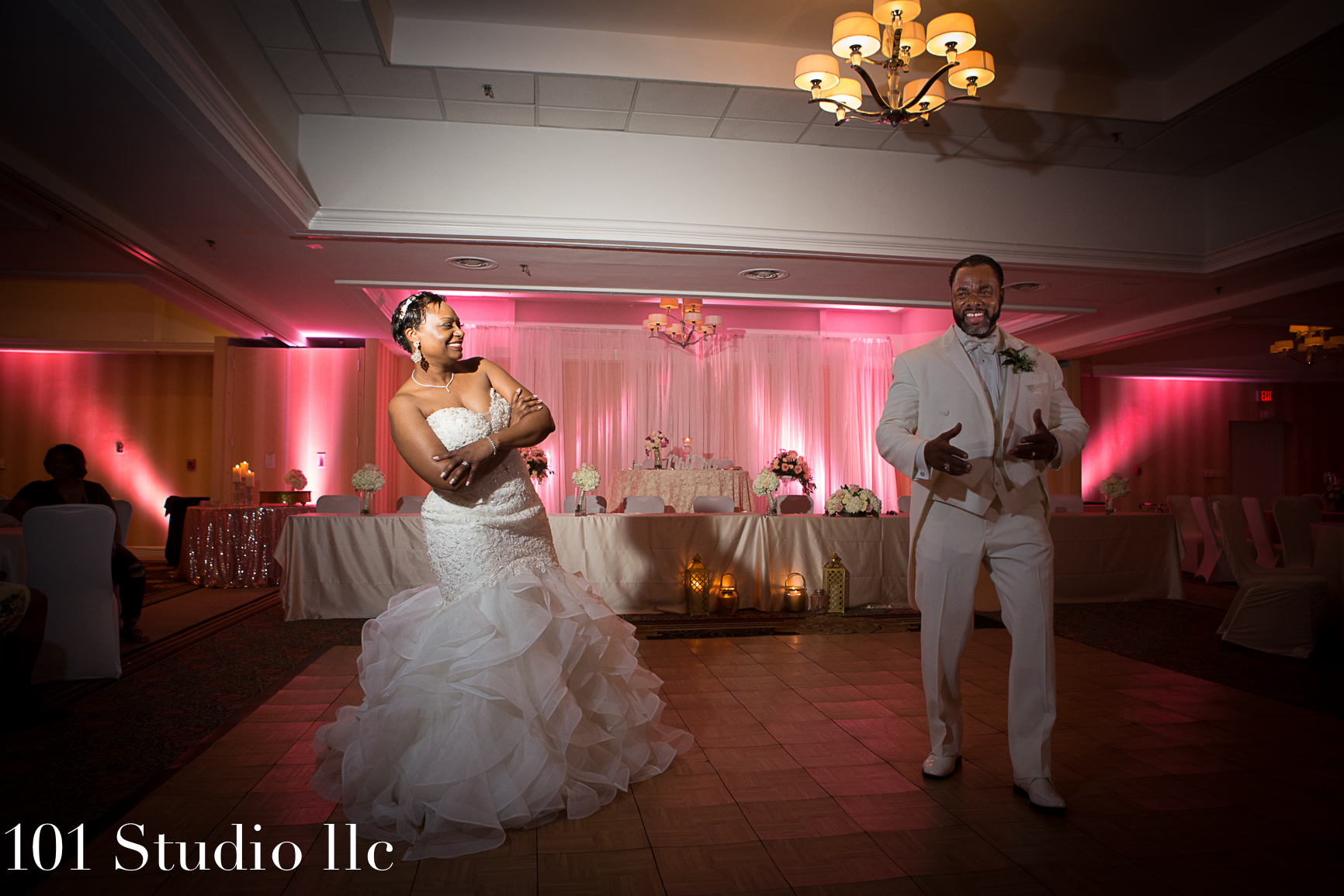 Double Tree at Hilton Raleigh wedding venue -  101 studio llc -35.jpg