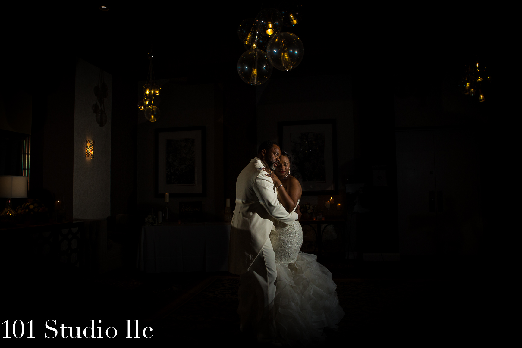 Double Tree Hilton Raleigh wedding venue - 101 studio llc -30.jpg