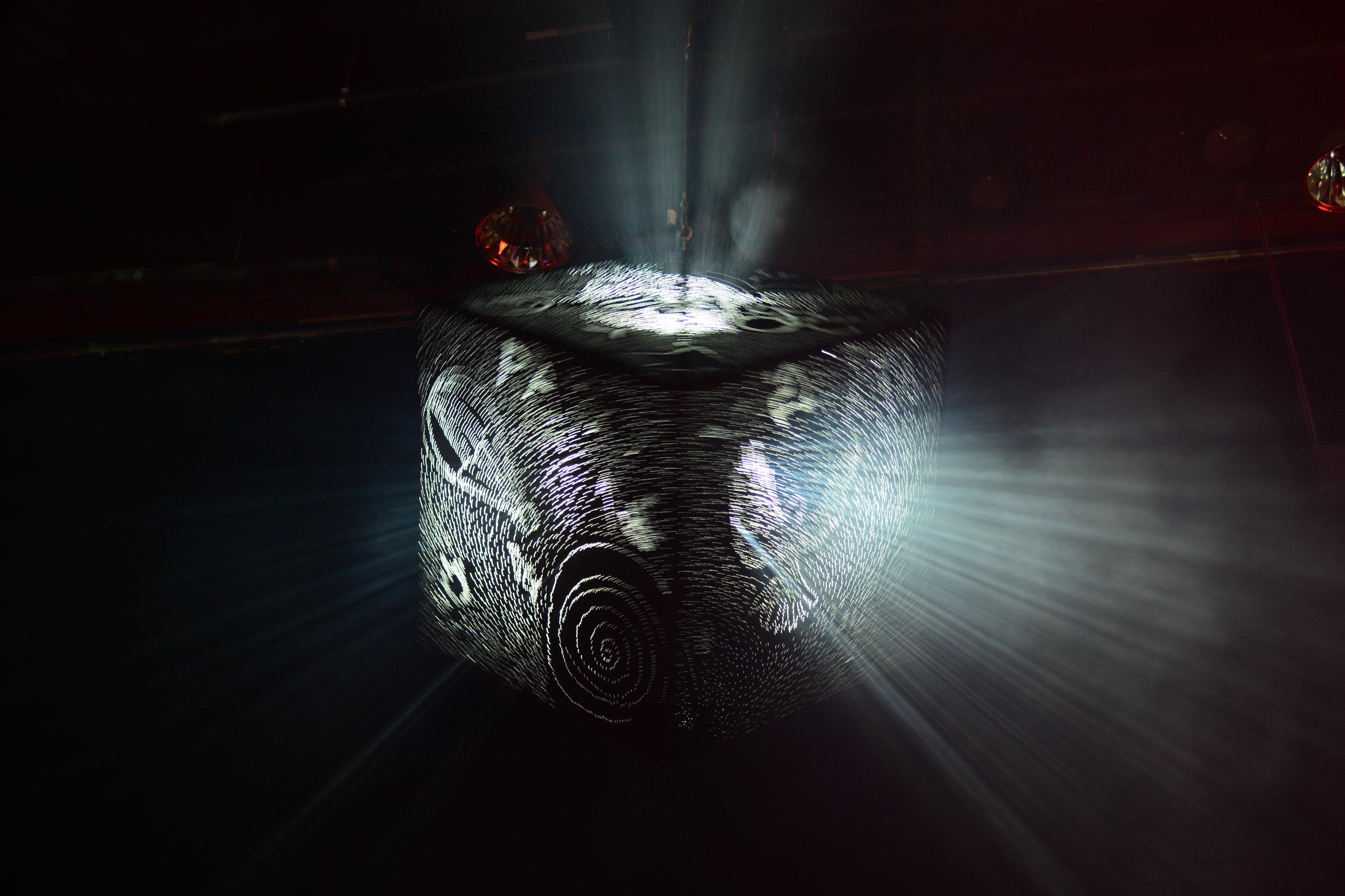 Eternal Light -The Begining   100x100x100, Light Lamp  , 2017.,.JPG