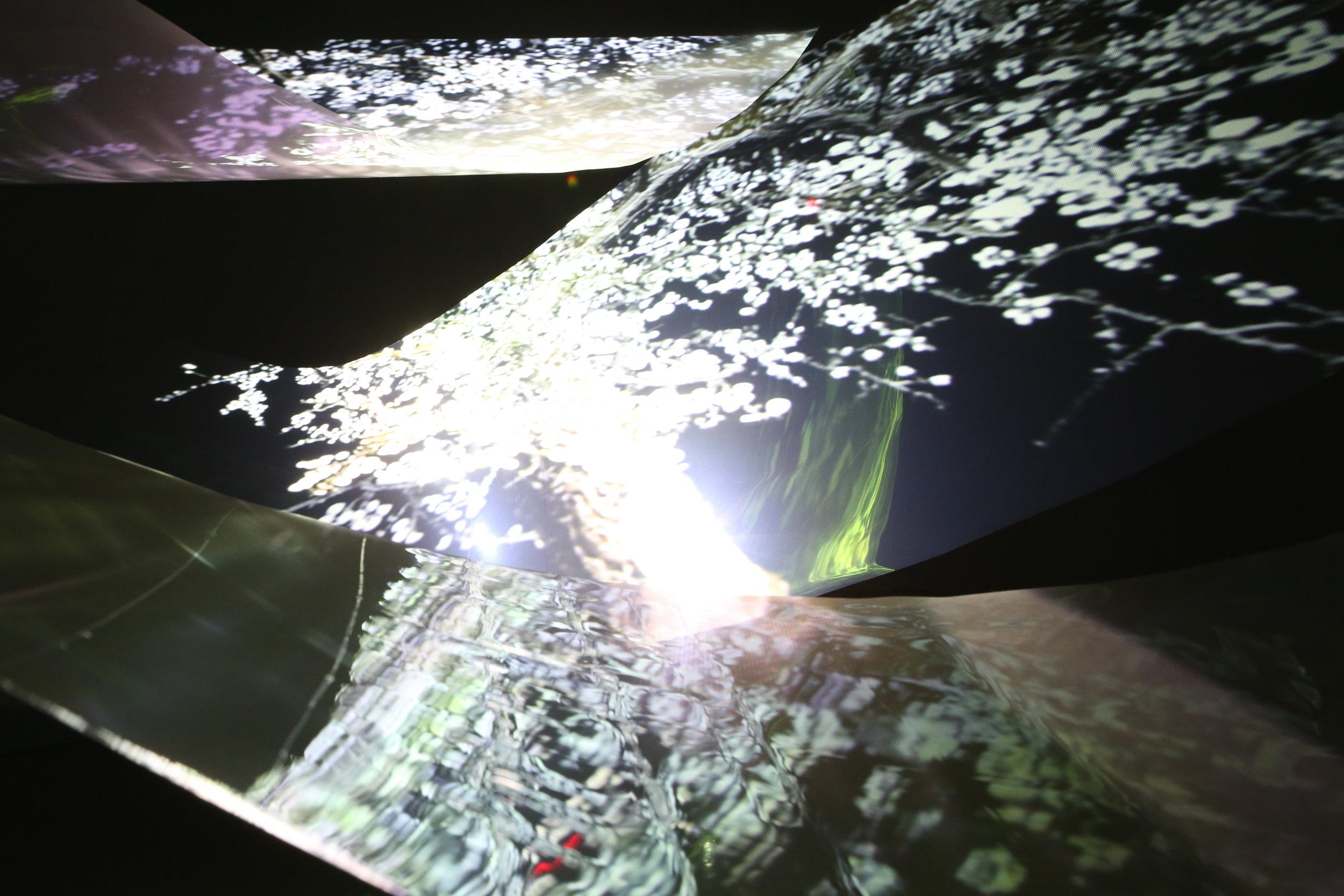 Eternal Light - dream video ,Transparent Screen, 5mx7mx2.3m  ,2017.JPG