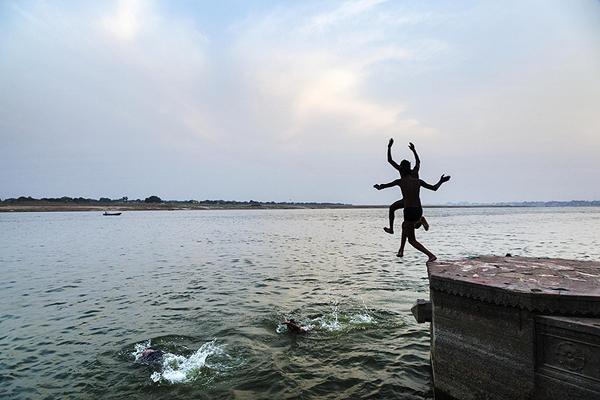 Figure 1. Leap from Panch Ganga, 2015