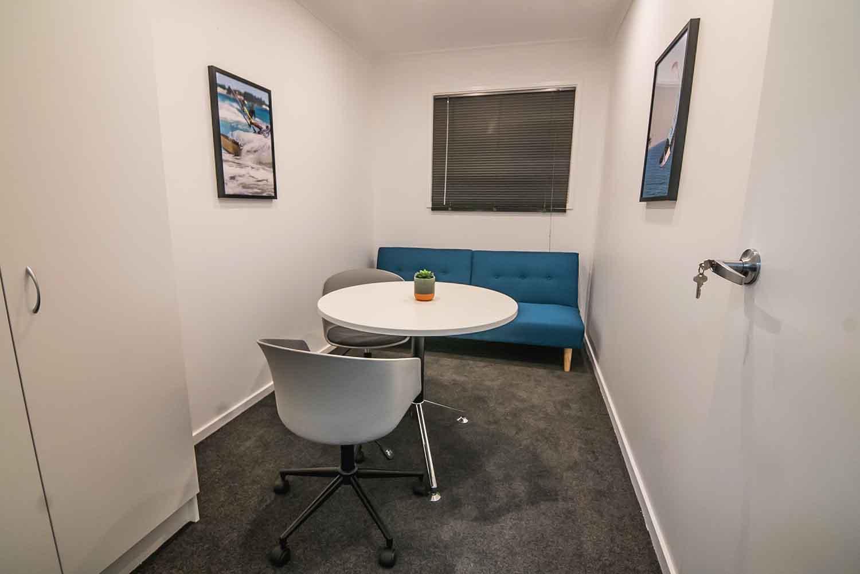 meetingroom1500.jpg