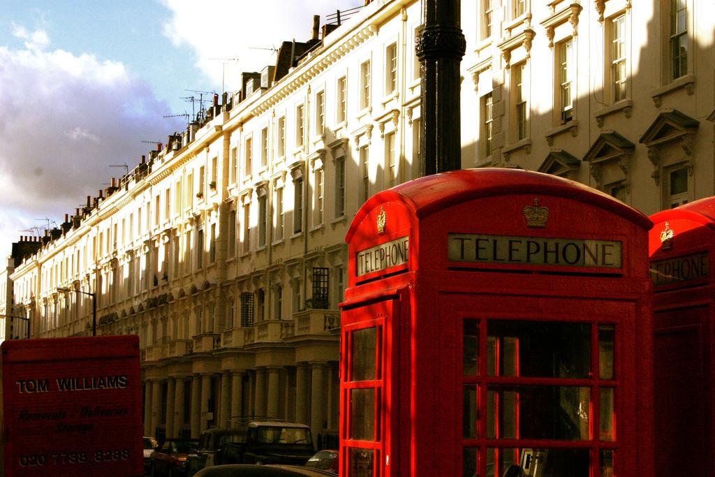 LondonPhoneBox.jpg