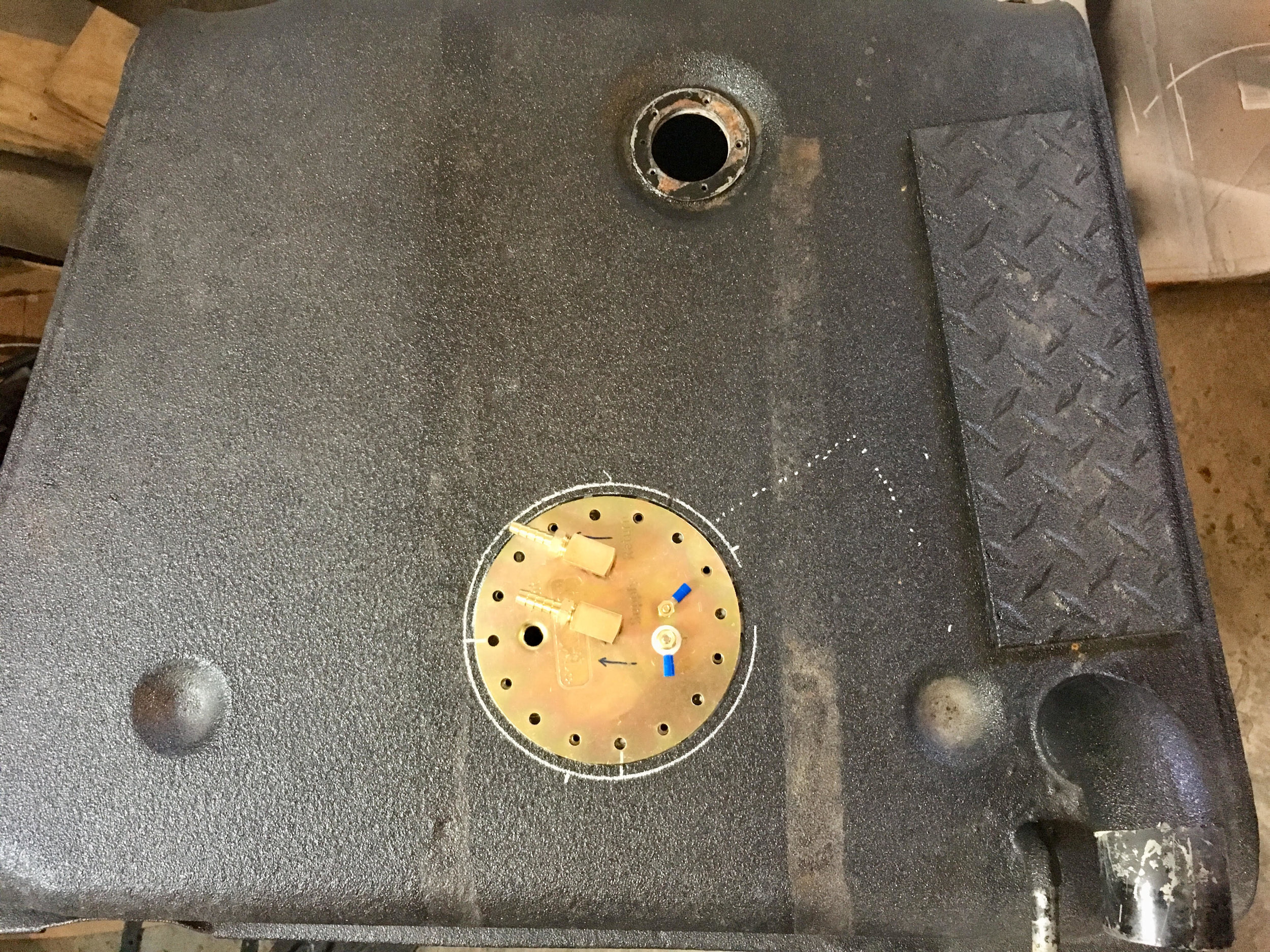 FJ40 In Tank Pump.jpg