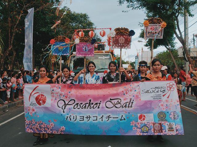 Suasana Pawai Yosakoi Team Bali saat PKB 2018