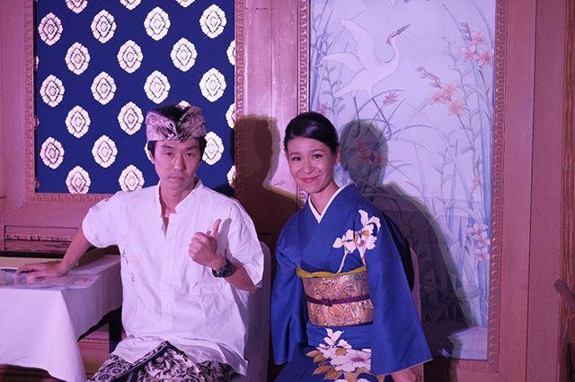 Duo pembawa acara ini sangat fasih dalam berbahasa Indonesia, dan selalu membuat acara kami lebih meriah dan seru!