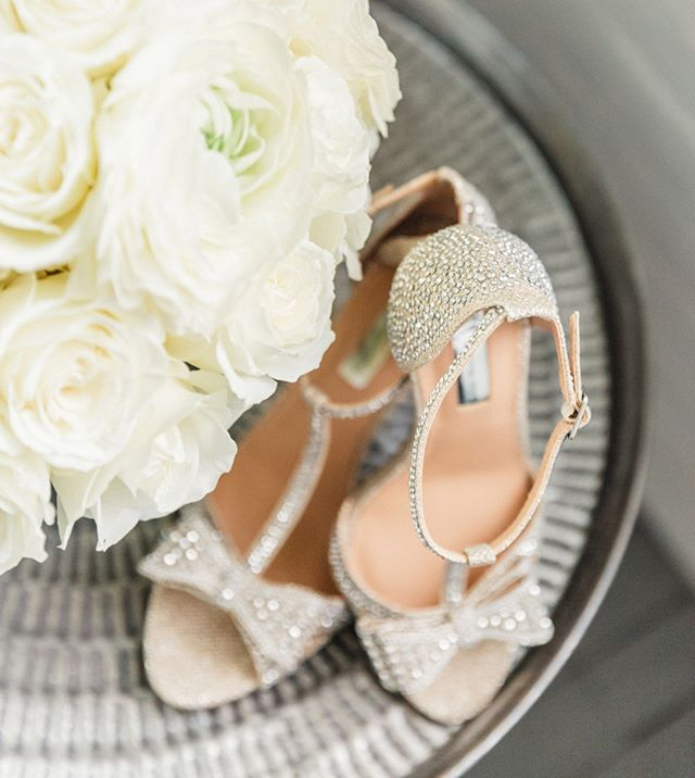 I'm a sucker for gorgeous wedding shoes and a beautifully lush bouquet! 😍 Perfect detailing for the sophisticated bride!  #detailsmatter