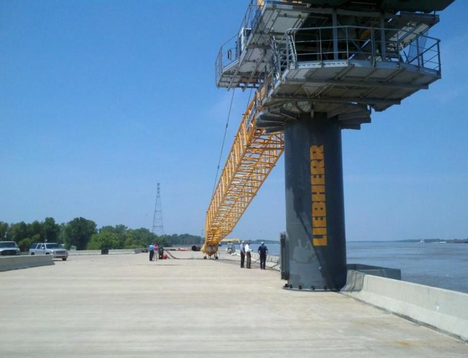 Barge_loading_station.jpg