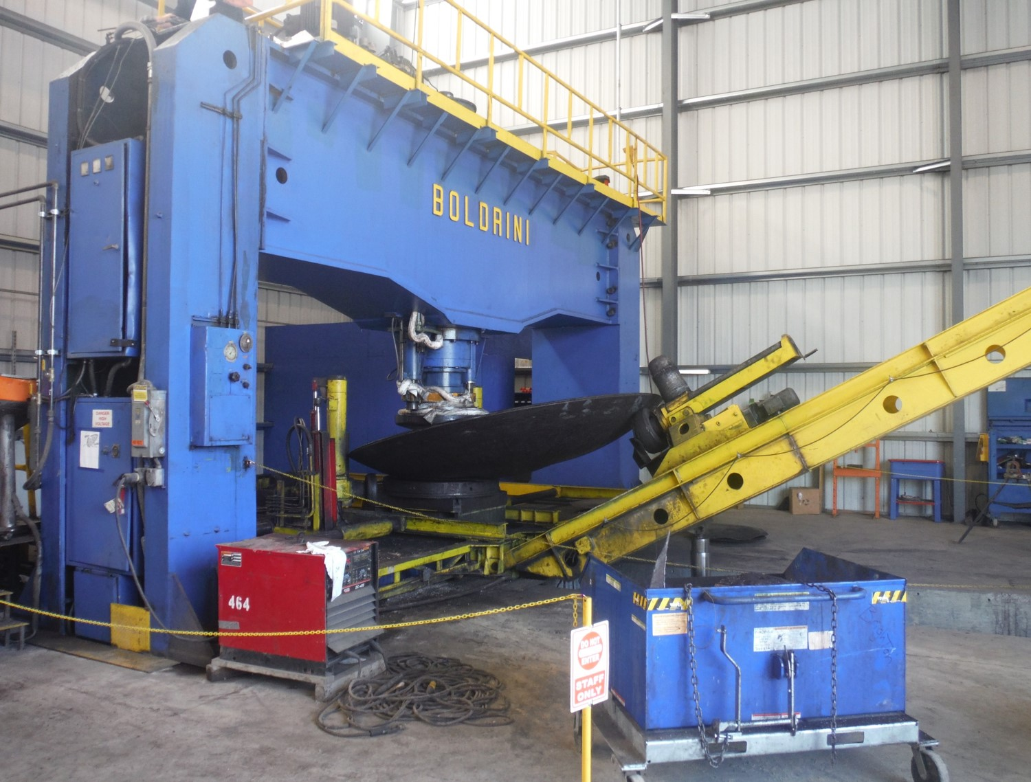 """HEAD MANUFACTURING EQUIPMENT   Size Capacity:  23' OD  1 ½"""" Thick"""