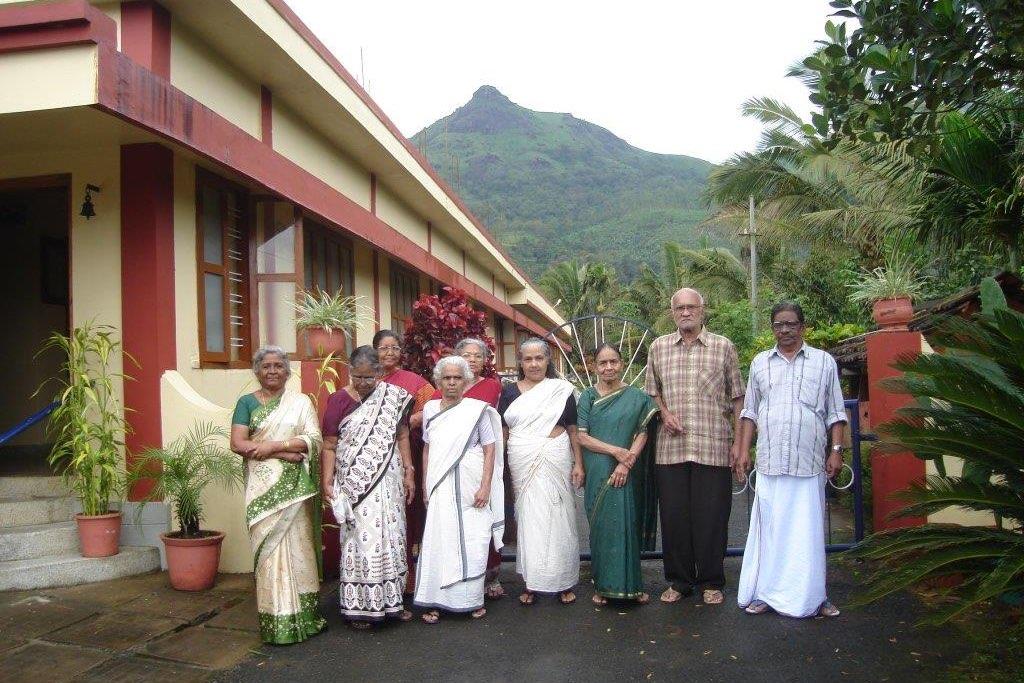 Residents at Makkiyad