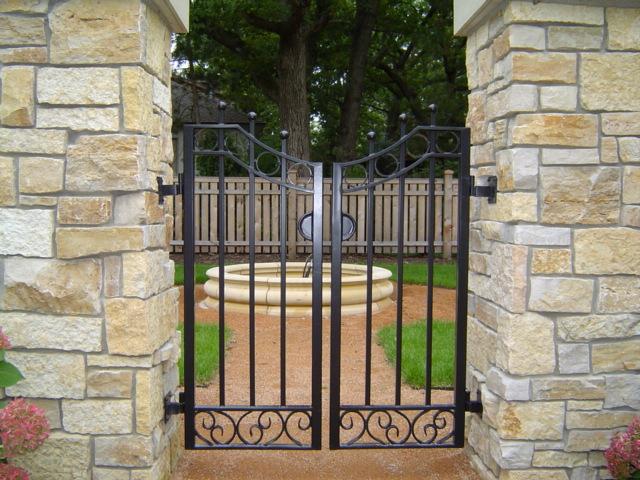 gates_2.jpg