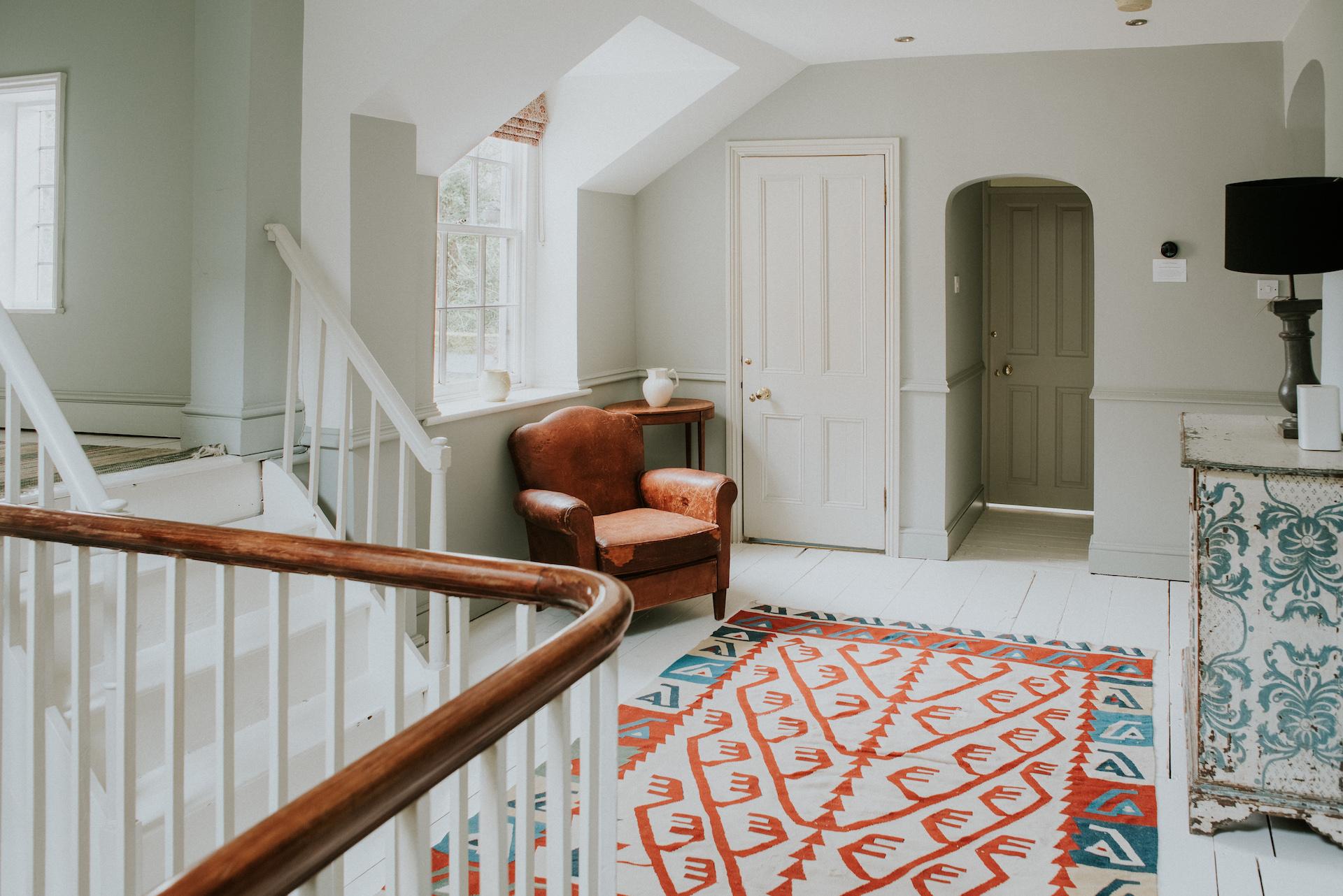 *04 045-deanscourt_gatehouse(C)EmmaDavenport.jpg