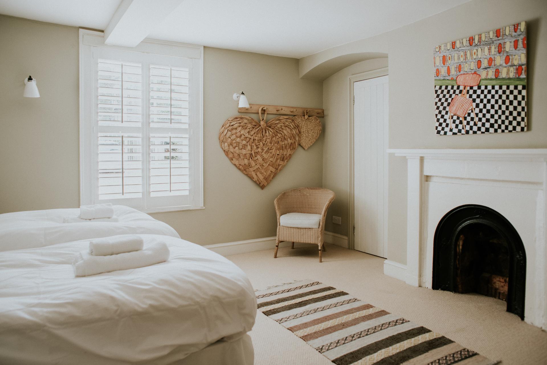 *07 070-deanscourt_gatehouse(C)EmmaDavenport.jpg